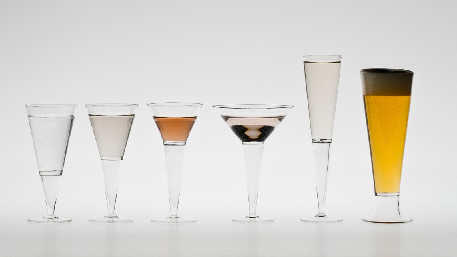 air boire rares verres coniques pied avec une jambe souffl e dimensions verre eau. Black Bedroom Furniture Sets. Home Design Ideas